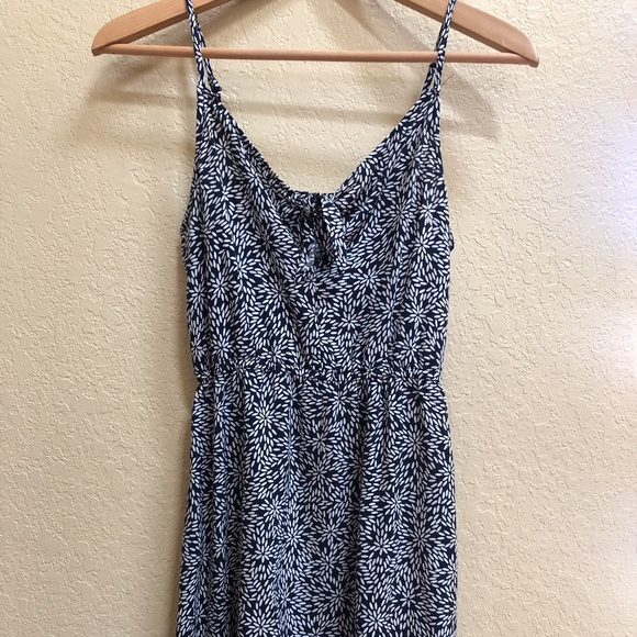 H&M Dresses & Skirts - H&M (Divided) Navy Patterned Dress